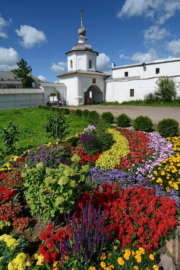 Кремль, Соборная площадь,