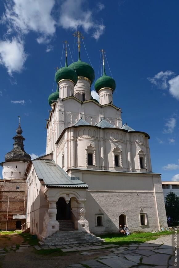 Кремль, Владычий двор, Церковь Иоанна Богослова