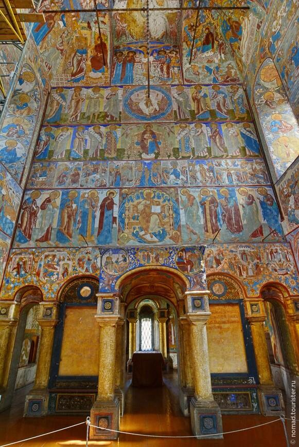 Кремль, фрески в церкви Иоанна Богослова