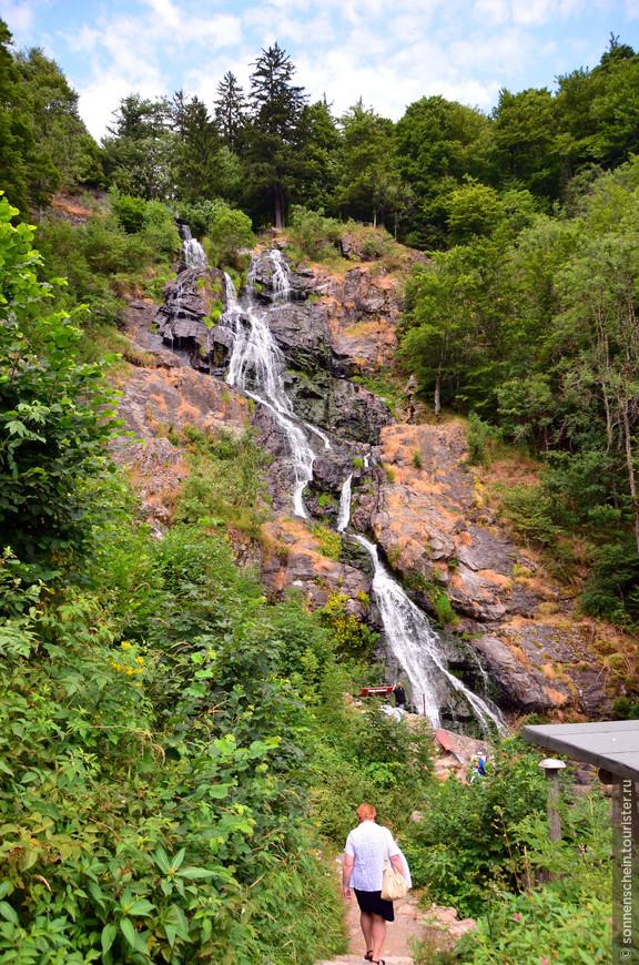 Каскадный 97-метровый водопад Тодтнау.