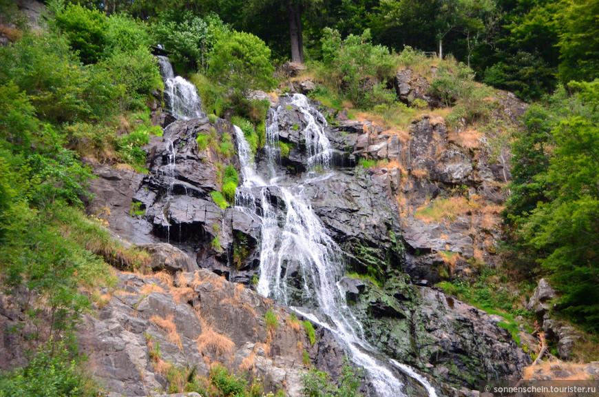 Поднимаемся к истоку водопада на высоту 1300 метров.