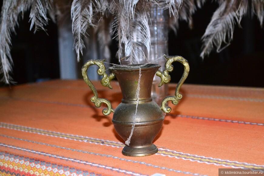 Элементы декора подчеркивали старину деревни.
