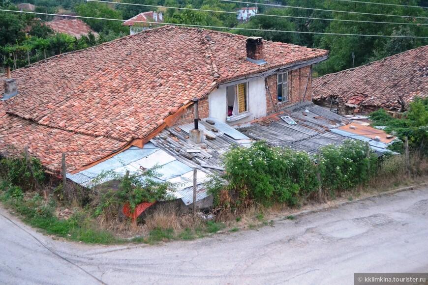 Типичные деревенские домики.