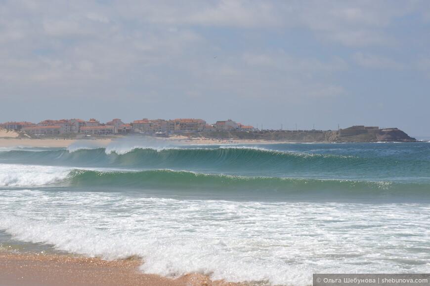 """Так """"невинно"""" выглядят волны в летний период на Супертубусе. Иные масштабы они приобретают в октябре, именно в этот месяц именно в этом месте проводится один из этапов чемпионата мира по сёрфингу"""