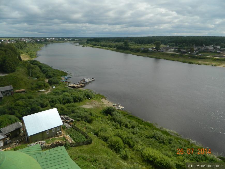 Тотьма расположена на берегу реки Сухоны