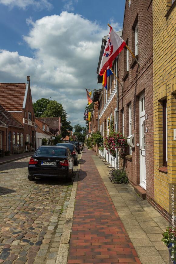 Строят голландские домики...