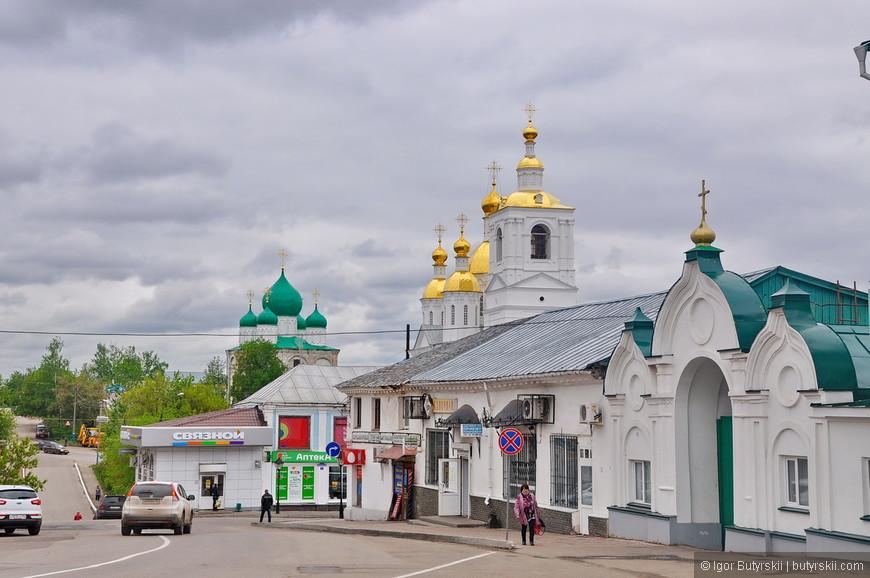 20. Город располагается по пути из Нижнего Новгорода (и Москвы) в известное Дивеево, поэтому тут часто бывают туристы. Но в сувенирной лавке очень мало арзамасской продукции (в основном все из Дивеево, что странно).