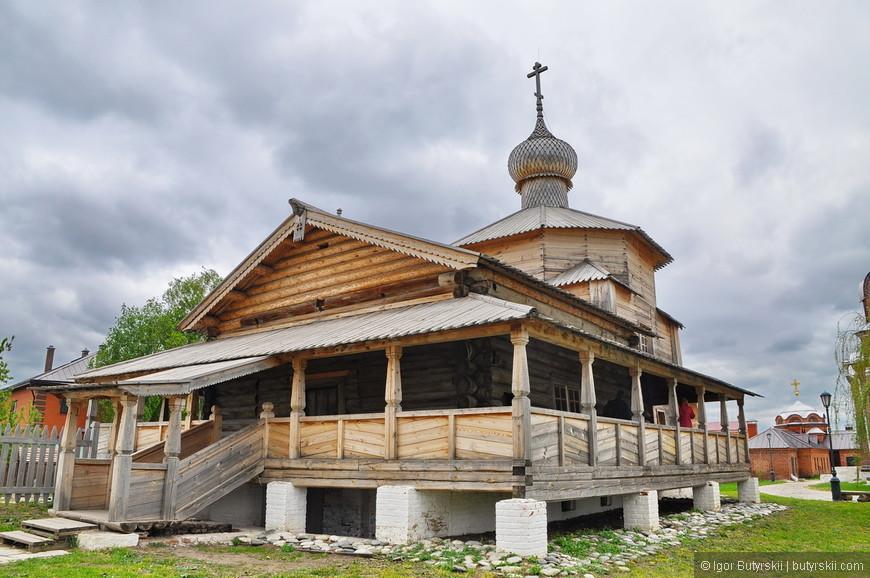 18. Троицкая деревянная церковь 1551 г., единственный памятник, оставшийся от первоначального деревянного града Свияжска.