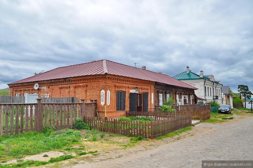 34. Местные продают сувениры, но это Татарстан, просто так заняться бизнесом тут не получится, в любом случае надо получить «одобрение».