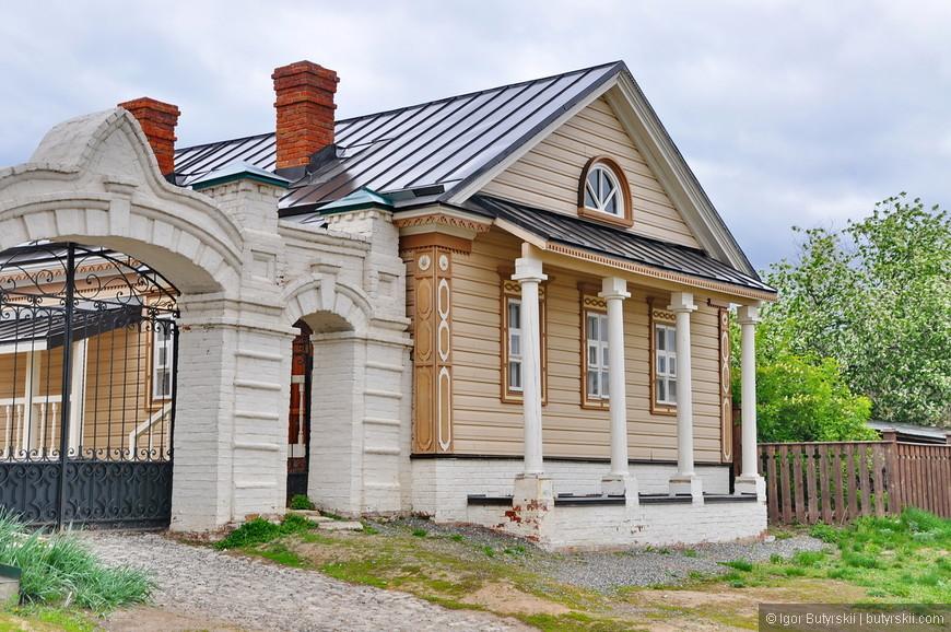 37. Много маленьких музеев, лавок, кафе и сувенирок. Очень похоже на Елабугу (кстати, тоже Татарстан).