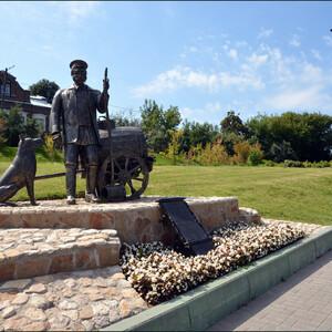 Памятник Водовозу на набережной Москвы-реки.
