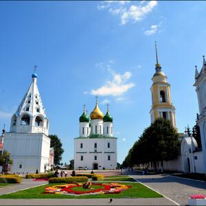 Вид на Соборную площадь Коломенского Кремля.
