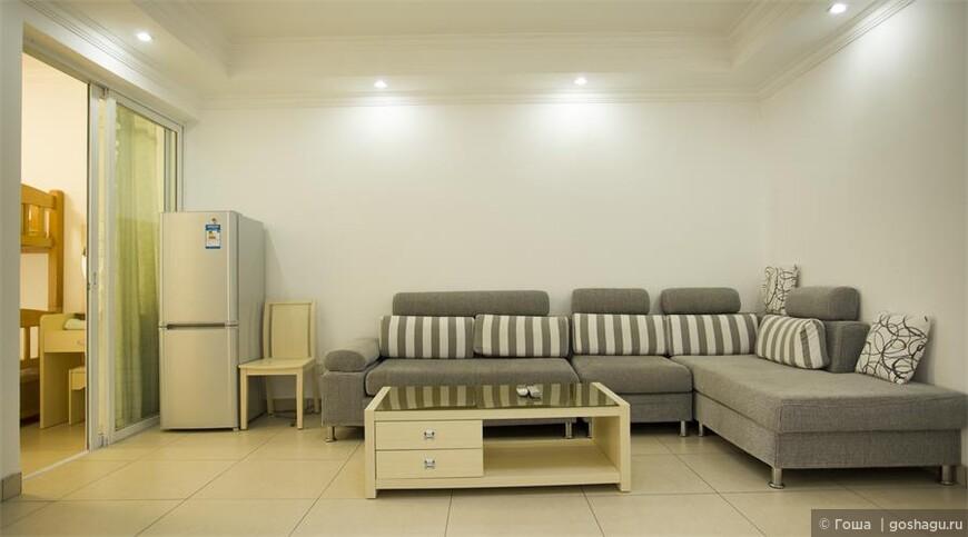 客厅沙发.JPG