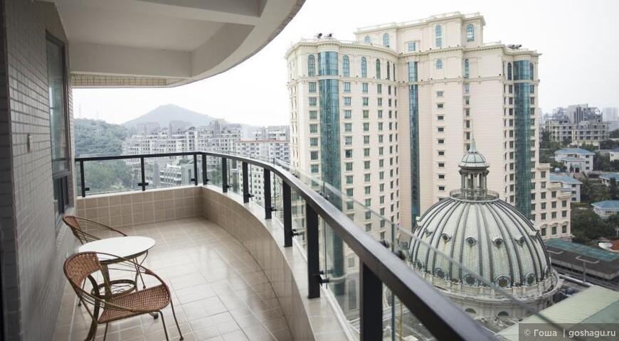 卧室阳台外景.JPG