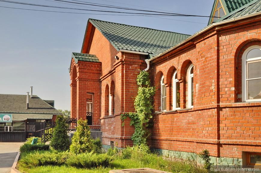 16. Храм был открыт в конце 90-х годов и находится в отличном состоянии.