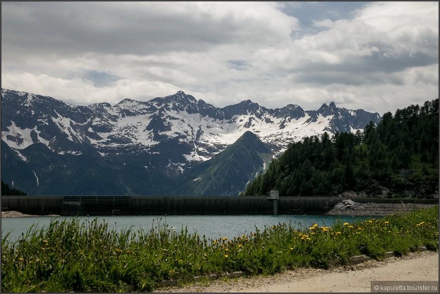 От озера Ритом проходит множество туристических маршрутов.