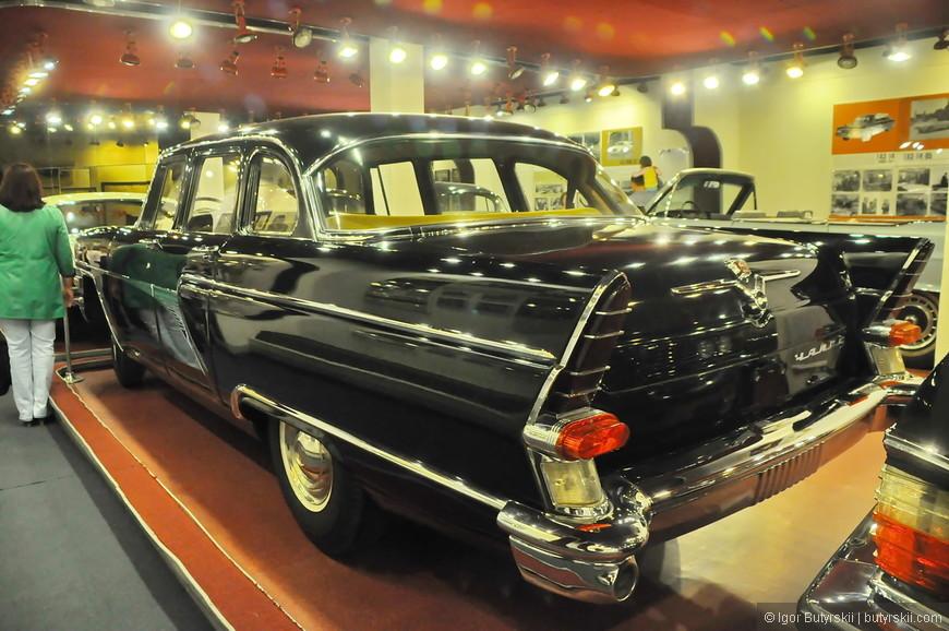 27. Дизайн был полностью срисован с Mercury, Lincoln, Packard и Pontiac. Только с некоторыми доработками «роскоши».