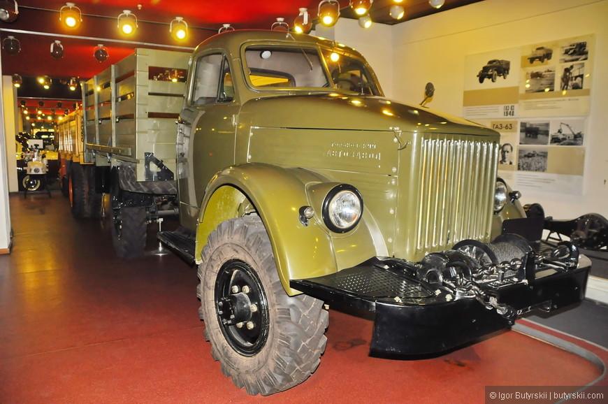 29. Военные грузовики тоже частично производились на заводе ГАЗ, хотя помню по 90-м годам, грузовики ЗИЛ выглядели более брутально.