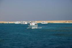 В Красном море потерпела крушение яхта с 27-ю туристами