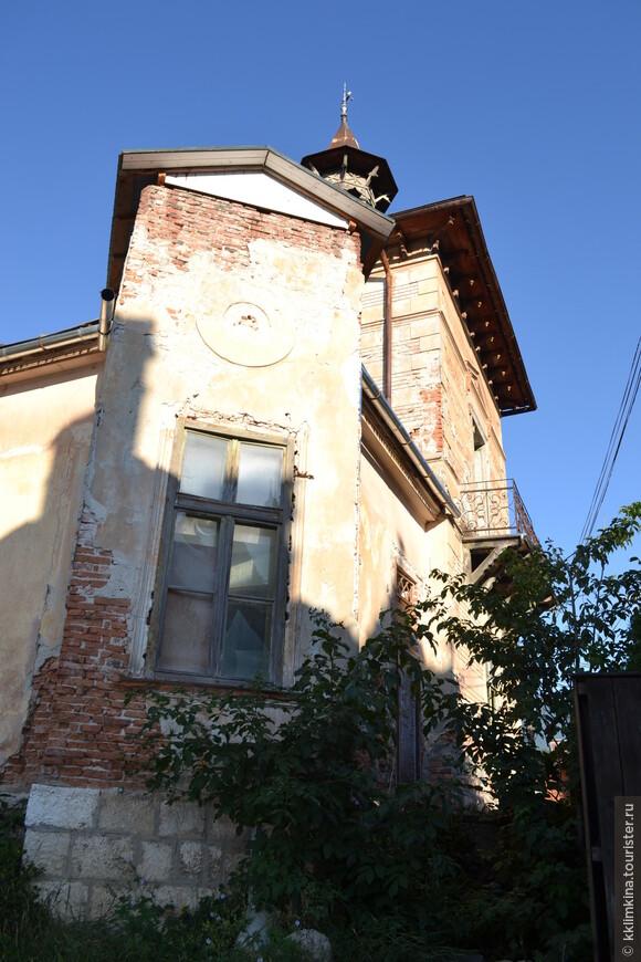 Заброшенных зданий в Бране почти нет.