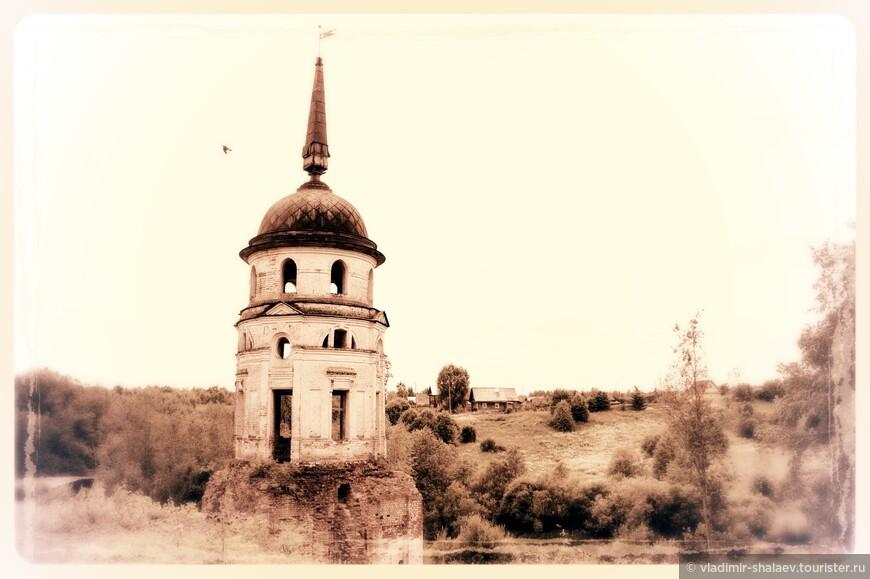 Башня Спасо-Суморина монастыря в Тотьме.