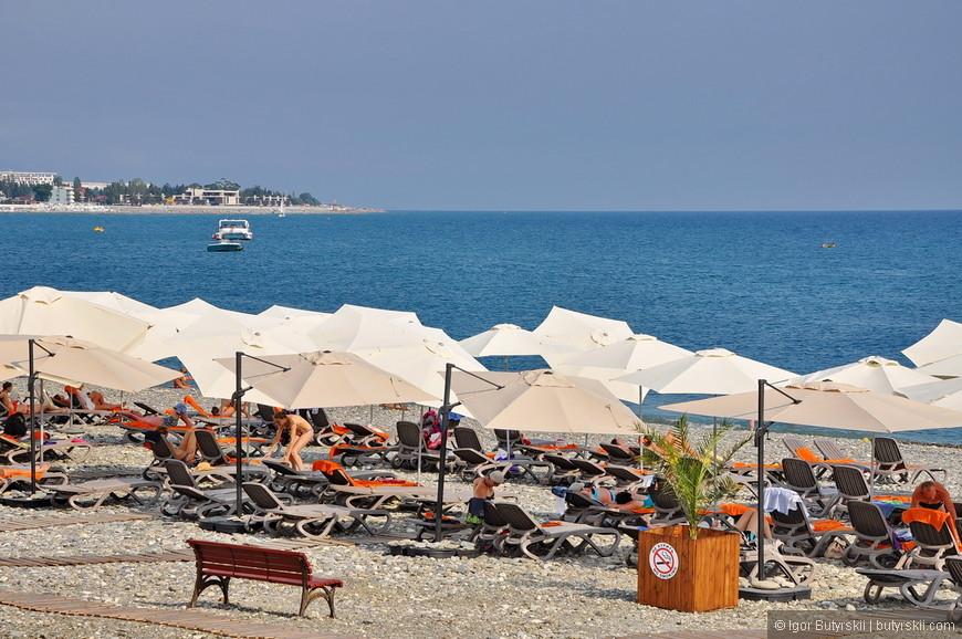 39. На фирменных пляжах людей не много, намного больше их на «диких» свободных пляжах, про них я расскажу позже.