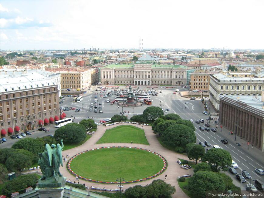 А так Исаакиевская площадь выглядела в 2007 году.