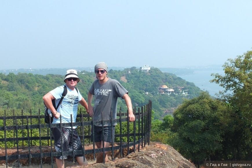 Илья и Антон. Форт Агуада, Гоа.
