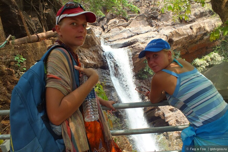 """Мы, во время разработки маршрута """"Другое Гоа"""" у Арвалемского водопада"""