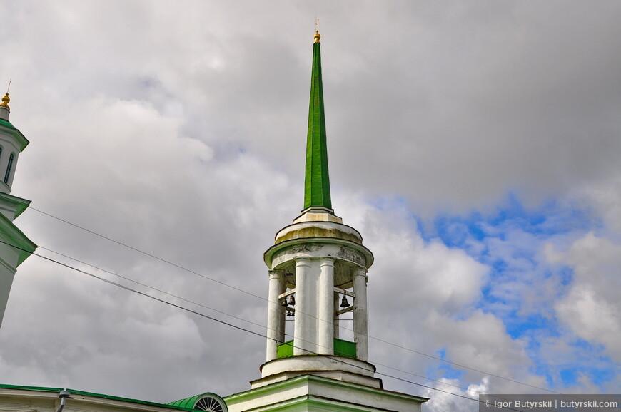04. Когда-то в городе было много роскошных храмов и соборов, но советская анархия внесла свои корректировки.