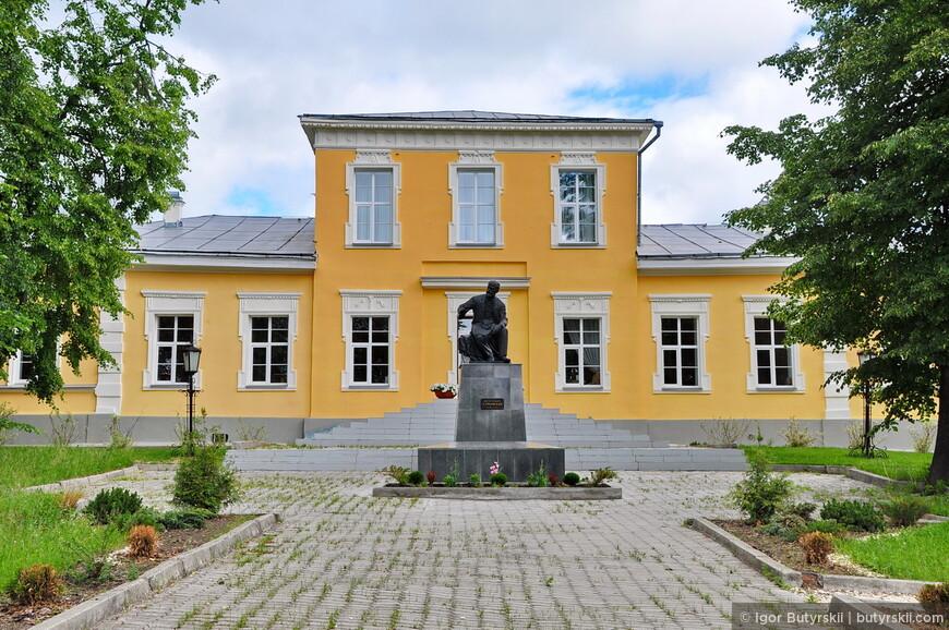 08. В Алапаевске провел часть своего детства Чайковский, в городе находится музей его имени.
