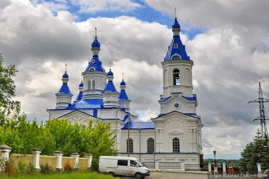 12. Великолепная церковь при кладбище, с нее открывается отличный вид на город.