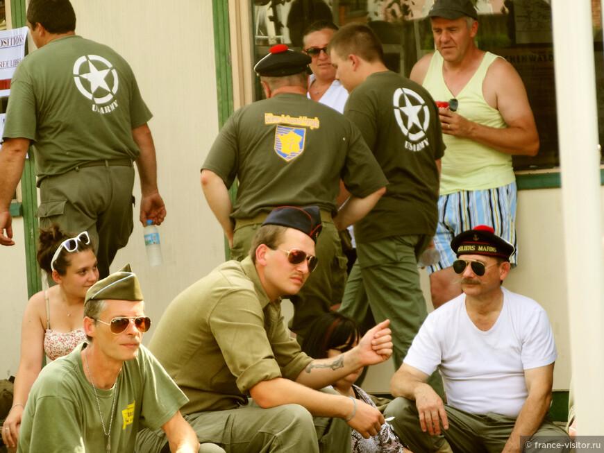 """Праздник в Нормандии. """"Войска"""" участники освобождения Нормандии во Второй Мировой."""