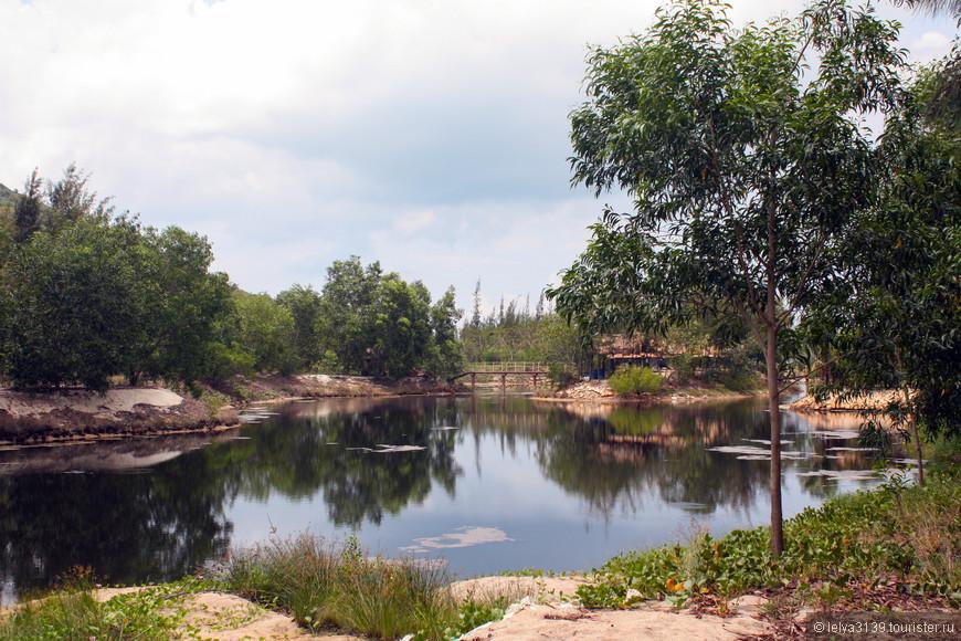 Озеро на Острове Обезьян (Monkey Island или Hon Lao Island)