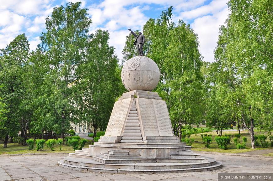 33. Микро-Ленин топчет планету. Какая задумка, какой размах!