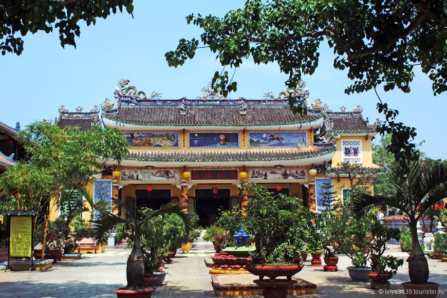 Центральный Вьетнам. Буддийский монастырь