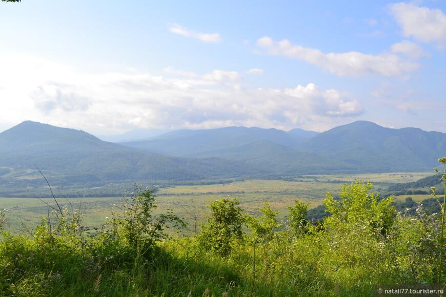 Небо, горы, море зелени - что еще для счастья нужно?