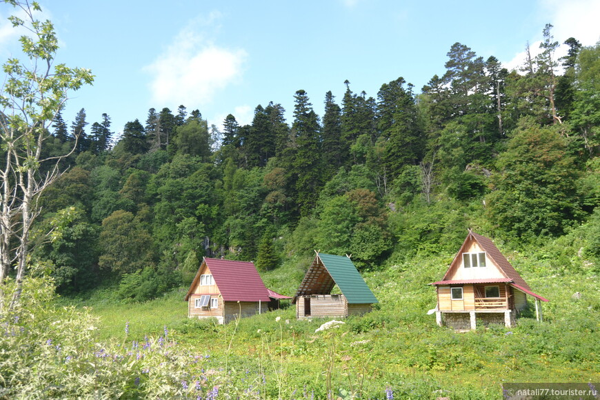 Счастливые люди наверное поселились в этих домиках.