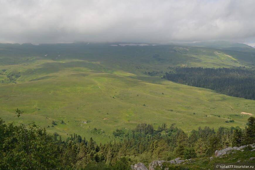 А вот и сам Азишский перевал
