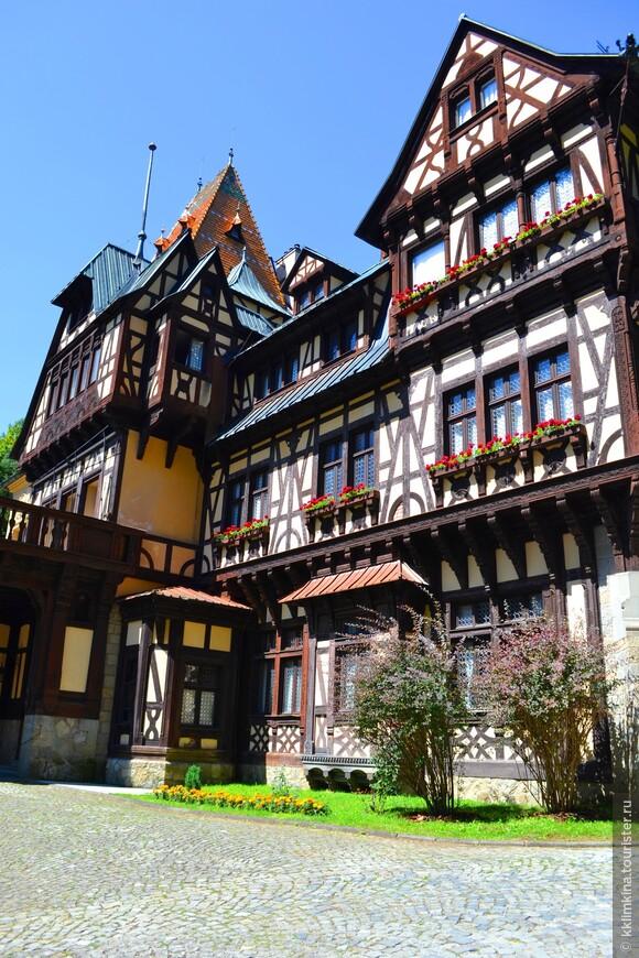 Замок небольшой (для замка), но очень милый и уютный.
