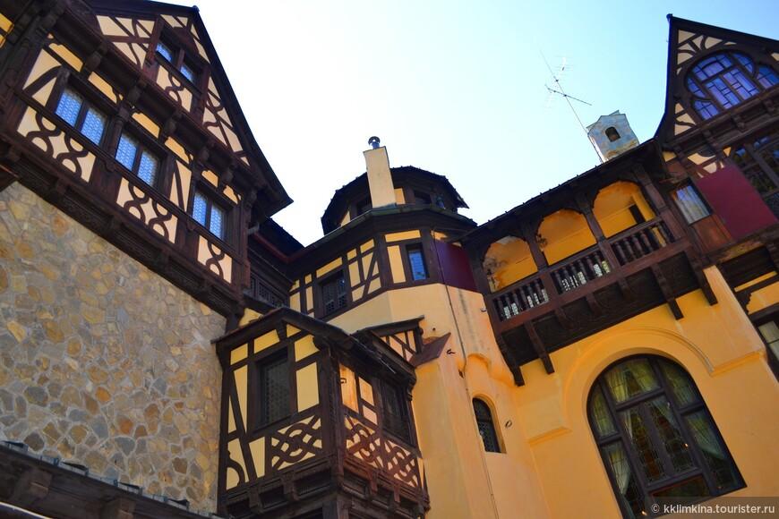Королева Мария очень любила этот замок, последние минуты своей жизни она пожелала провести в «Золотой комнате» Пелишора, созданной по ее эскизам.