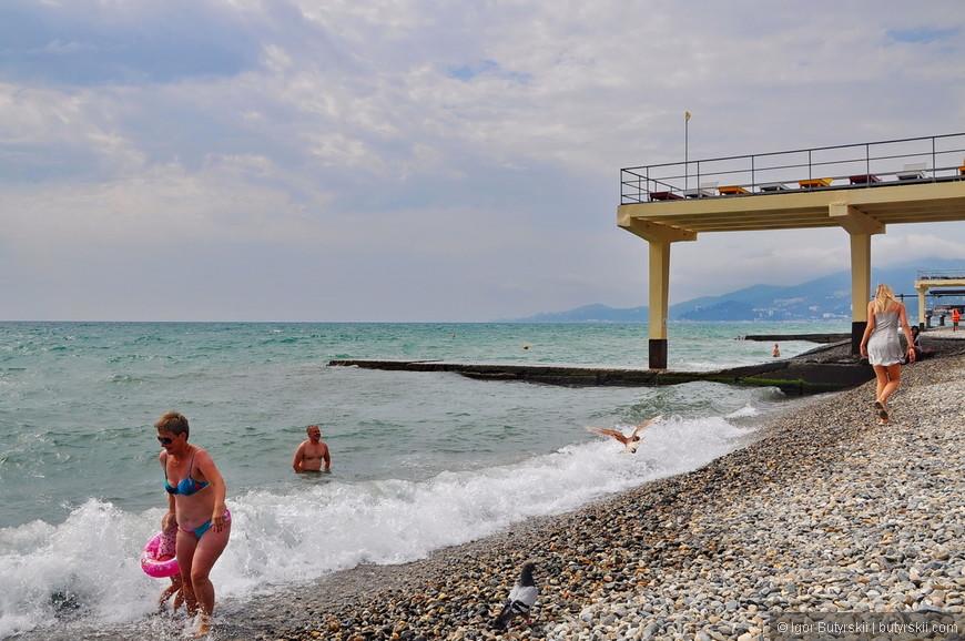 07. Уборщиков на пляже видел только утром, но к вечеру все также чисто. Или культура отдыха растет, или закапывают хорошо.