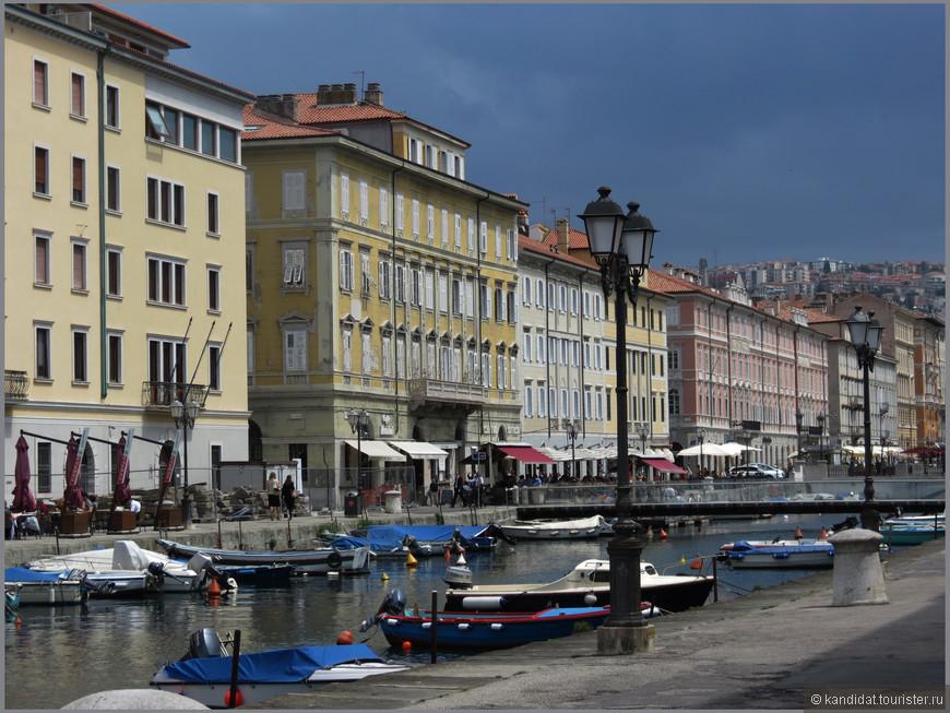 Самой знаменитой и заметной достопримечательностью Нового города является Большой канал, построенный в середине XVIII века.