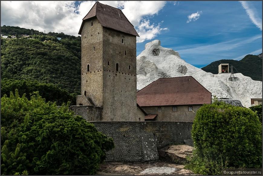 Изучить древнюю  историю и фольклор можно в замке  Сарганс  в Санкт-Галлене.  6 этажей башни занимает грандиозный музей средневековья.