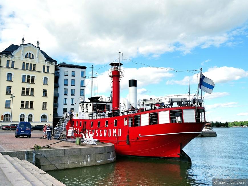 Корабль-маяк в порту Хельсинки - сейчас с нем располагается музей судоходства и ресторан