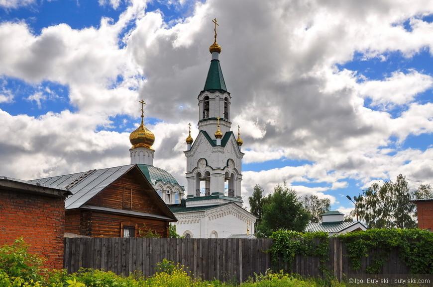 03. В городе есть несколько очень красивых храмов и один собор. Но времени на осмотр у меня был немного, поэтому я выбрал самую красивую на мой взгляд.