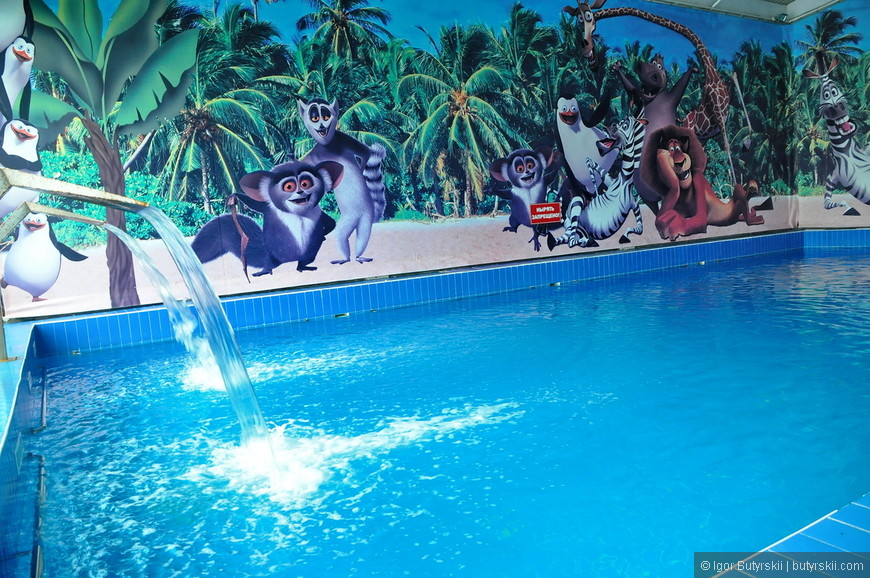 33. Как вам бассейн? Мне вот например понравился, захотел искупнуться в пресном бассейне с такими водопадами, но не смог…