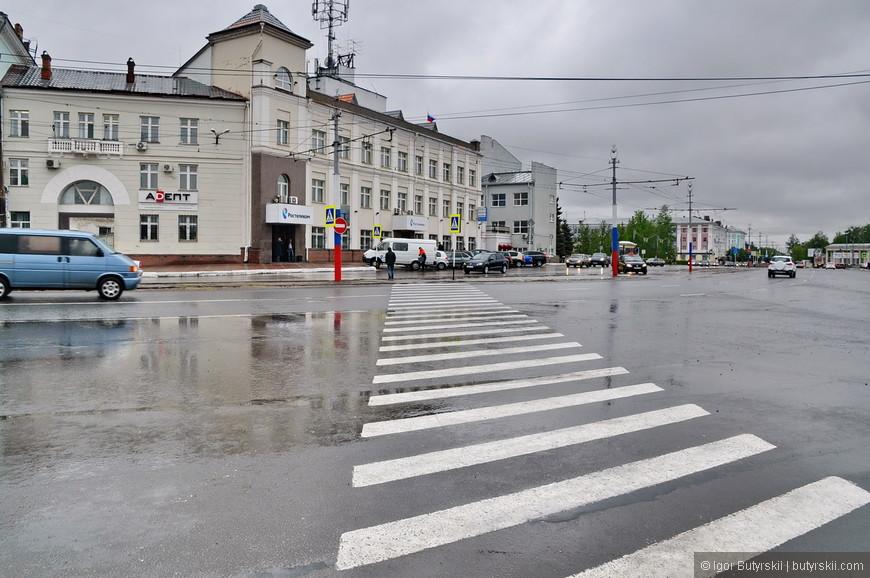 23. Мрачная погода преследовала меня по всей Нижегородской области в этом году. Но именно тут я не расстраивался насчет нее, городу идет дождь и слякоть.