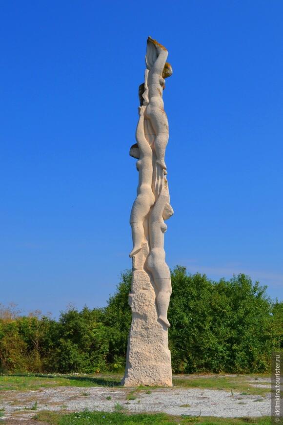 Мыс Калиакра находится неподалеку от населенных пунктов  Былгарево и Святой Николай, в 12-ти километрах от города Каварна и в 60 км к северо-востоку от города Варна.