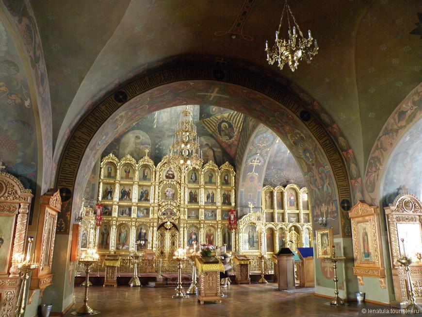 Ильинская церковь, была знаменита своим хором певчих и росьписью интерьеров, которые появились после проведённого на рубеже 19-20-го веков ремонта. Тогда, храм был расписан по эскизам академика Апполинария Васнецова.